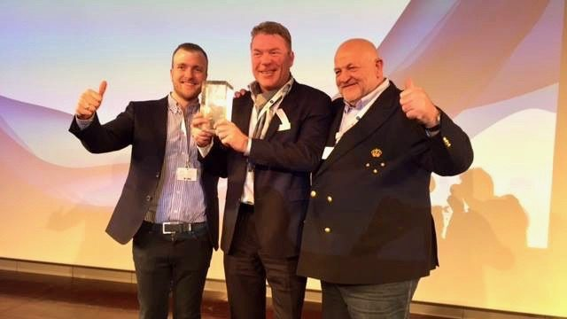Marex 310 Wins Powerboat of the Year Award
