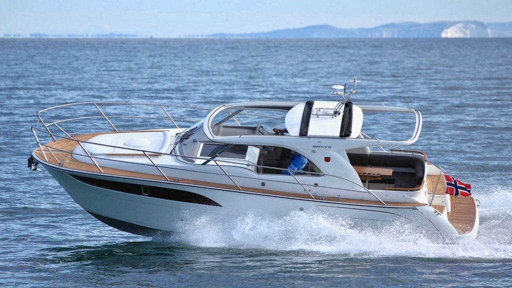 Marex 310 Wins Powerboat of the Year Award 2