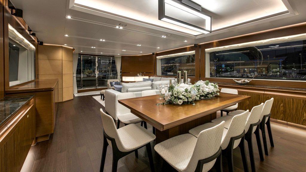 Horizon RP110 Dining Room