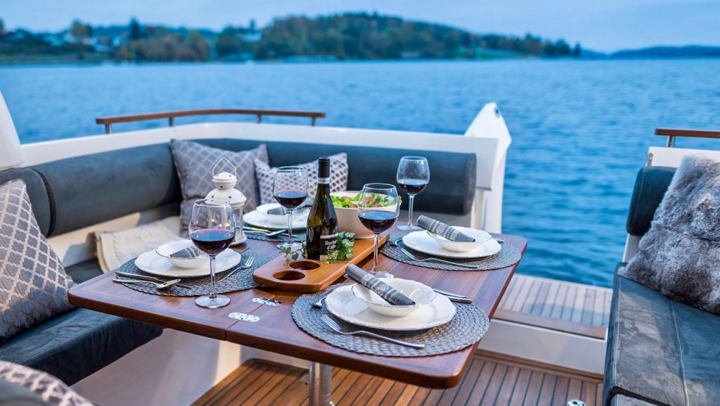 Marex 310 Wins Motor Boat of the Year 3