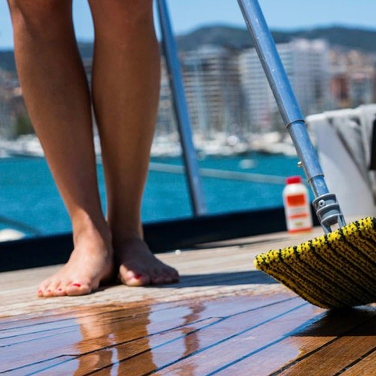 Boating Tip: Why Wash Regularly? 1